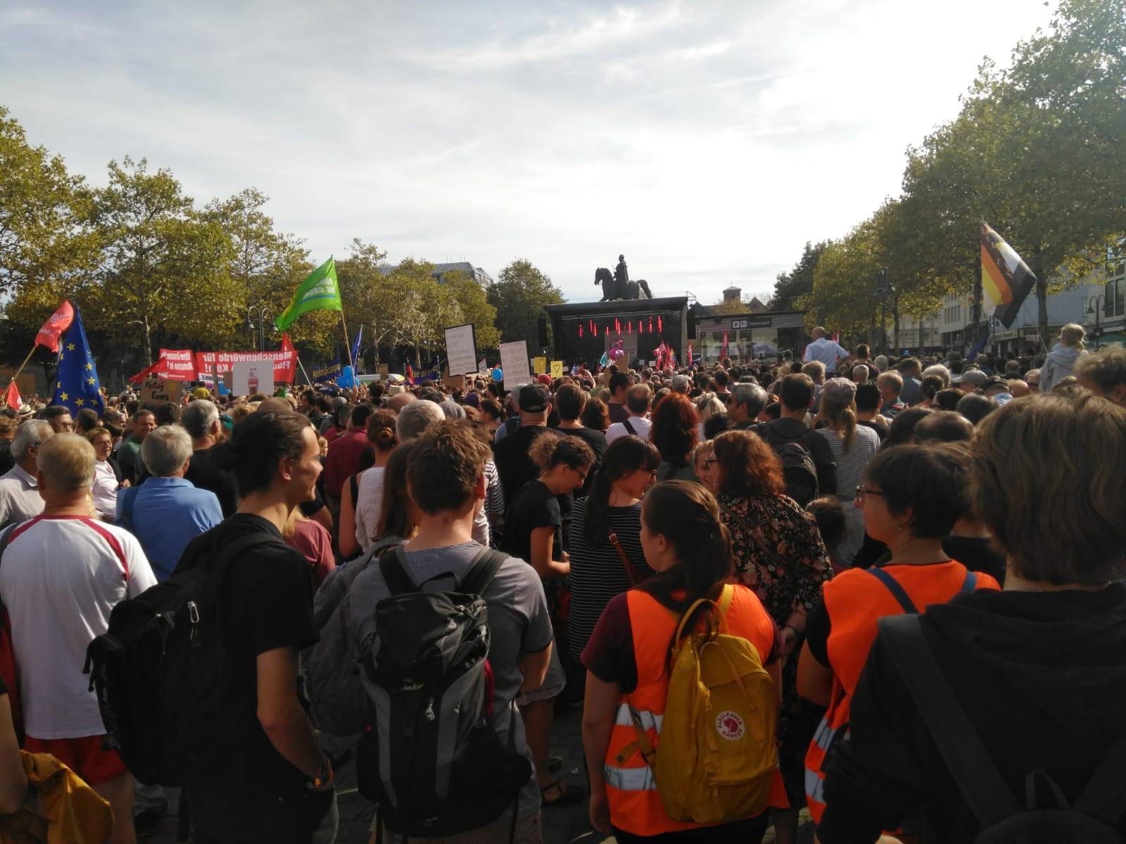 """Grevenbroicher Grüne zeigen """"Haltung gegen Rechts"""""""